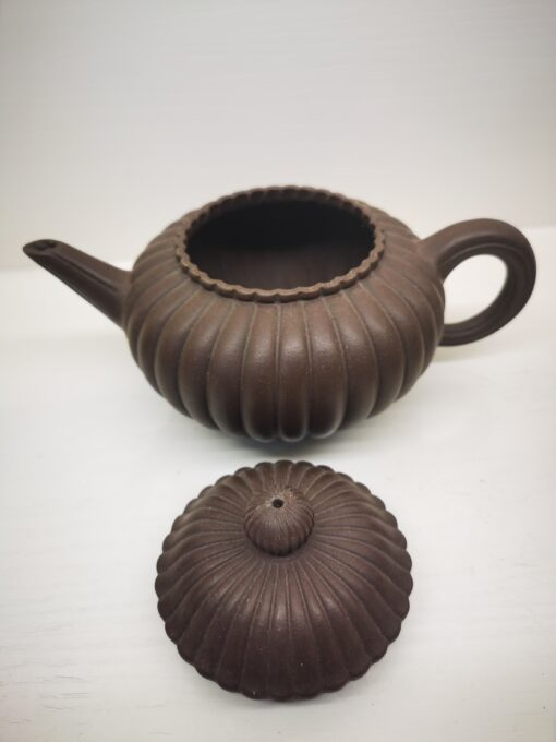 Perfectly shaped Chrysanthemum Purple clay teapot
