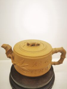 The squirrel on a bamboo yixing teapot