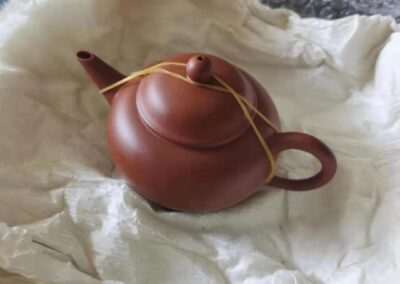 Packing the Yixing teapot